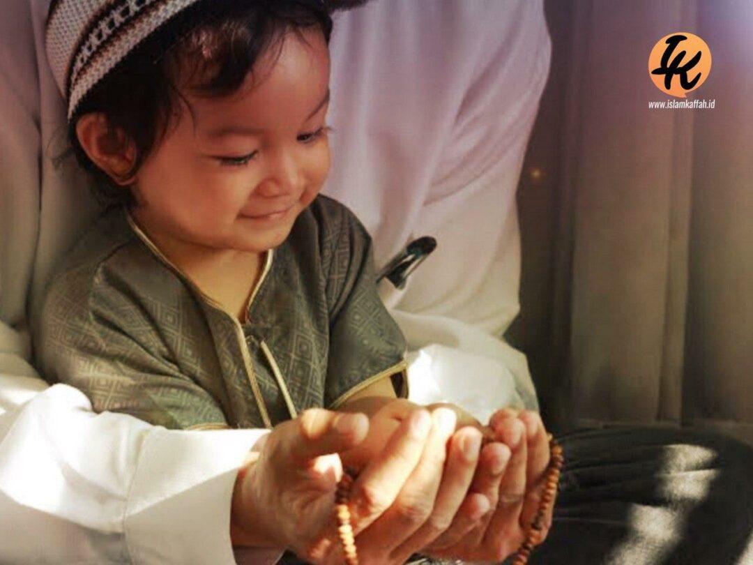 Agar Anak Menjadi Penyejuk Hati Qurrota A Yun Islam Kaffah