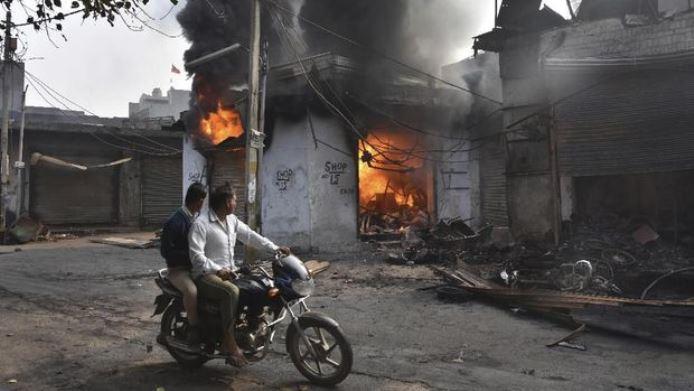 India bentrok Muslim hindu new delhi