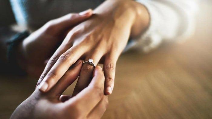ada suami terhadap istri