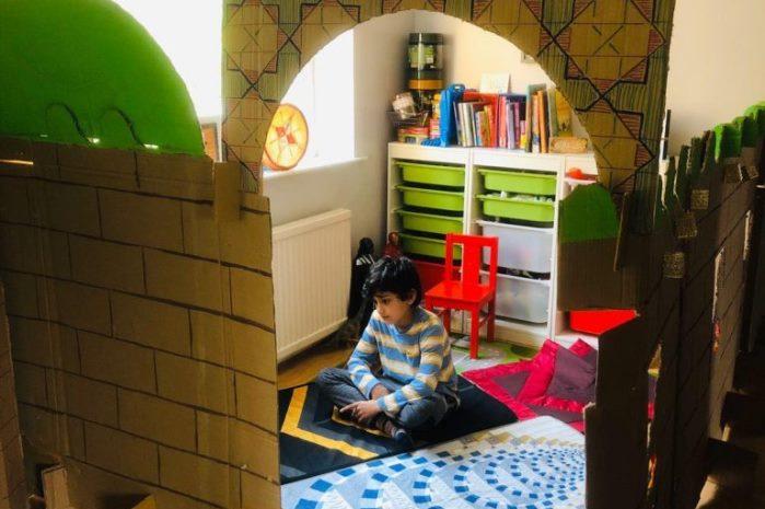 Bocah Inggris Bangun Masjid Di Rumah