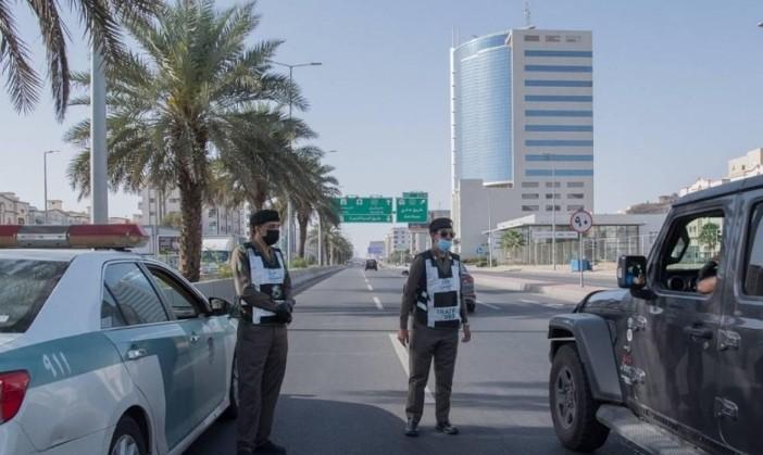 Mekkah curfew 24 jam