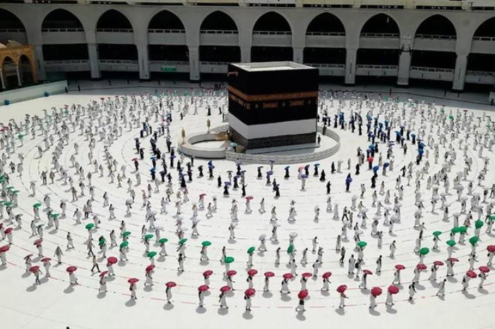 13 Wni Ikut Haji
