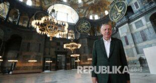 Presiden Turki Recep Tayyip Erdogan Mengunjungi Masjid Hagia 200724131231 559