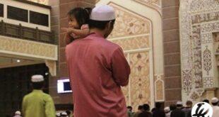 Shalat Menggendong Anak