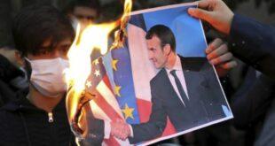 Foto Macron Dibakar