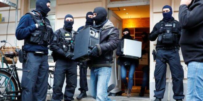 Polisi Jerman Gerebek Masjid