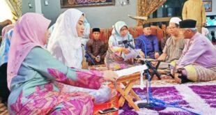 Ernie Juliana Berkerudung Putih Wanita Cantik Suku Dusun Yang 201009224111 515