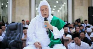 Habib Luthfi Bin Yahya Tundan Pelaksanaan Kanzus Sholawat