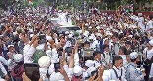 Kerumunan Massa Penyambutan Rizieq Shihab