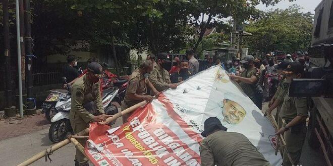 Giliran Semarang Yang Turunkan Baliho Habib Rizieq 4 169