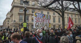 Demo Penolakan Ruu Keamanan Global Di Paris