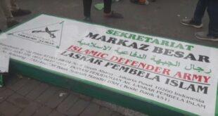 Papan Nama Markaz Fpi Diturunkan (merdeka.com)