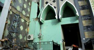 salah satu masjid yang rusak akibat gempa bumi di sulawesi barat