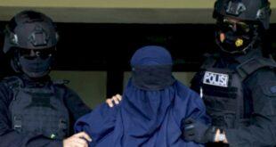 densus 88 tangkap 4 wanita motivator pelaku bom makassar