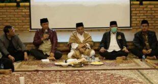 kepala bnpt dan habib luthfi bin yahya di acara dialog kebangsaan di sukajaya, bogor.