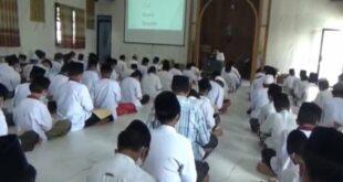 Pondok Pesantren Al Aqobah Jombang ajarkan kitab kuning dengan pengantar bahasa Inggris