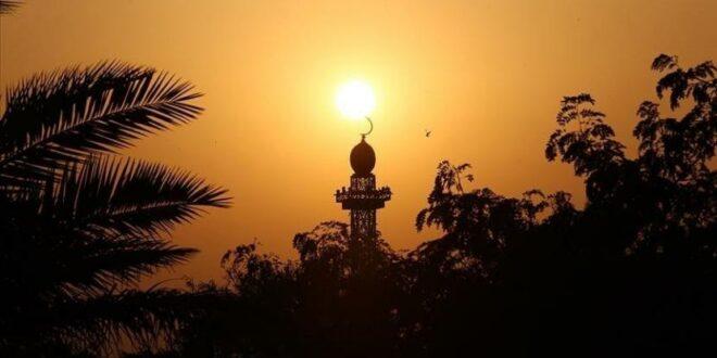 ilustrasi masjid tempat ibadah umat 210413191558 451 1
