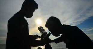 mahasiswa universitas nu unisnu belajar menggunakan teleskop untuk mengamati 210410212340 232