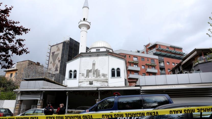 masjid dine hoxha 210421112009 942