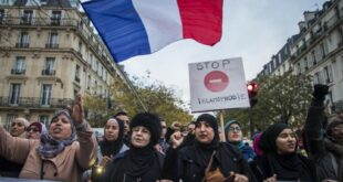 sekelompok wanita berunjuk rasa di prancis menuntut dihentikannya islamofobia 200217104615 181