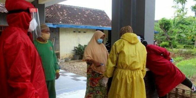 Tracing keluarga dari klaster tarawih di Sragen