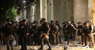 polisi israel menyerang jamaah muslim dengan granat setrum dan 210508130544 879