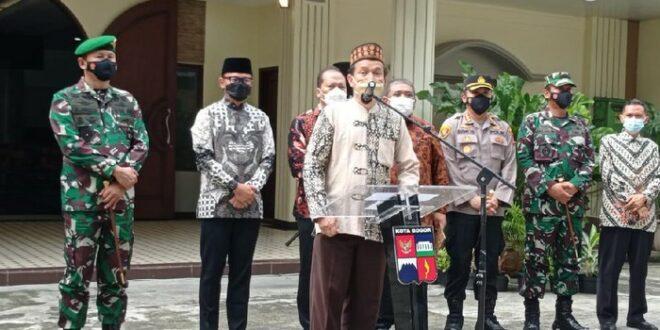 Ketua MUI Kota Bogor saat memberi sambutan pada seremoni hibah tanah untuk pembangunan GKI Yasmin