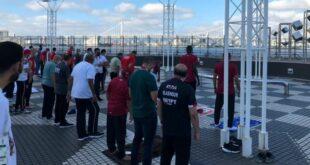 Para atlet dan ofisial Muslim melakukan Salat Idul Adha di perkampungan atlet Olimpiade Tokyo