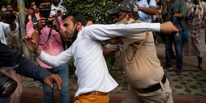 Politisi India ditangkap polisi India setelah teriakkan anti Muslim