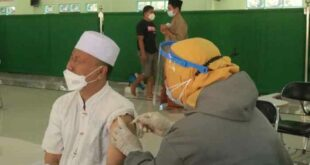 Vaksinasi massal di Ponpes Nurul Qarnain Jember Jawa Timur