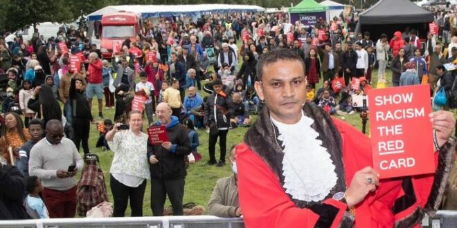 Walikota Newcaslte Habib Rahman