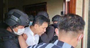 Munarman saat ditangkap